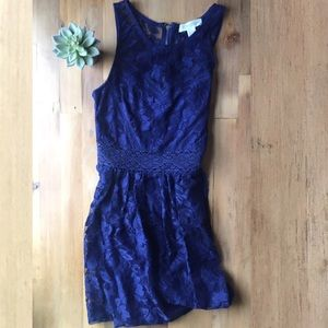 Forever 21 / s / Navy Lace Dress with Eyelet Belt